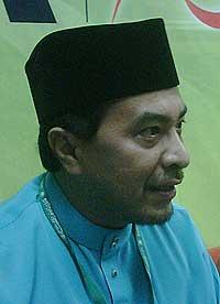 pas muktamar nasharuddin win post 060609 husam pc 01