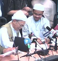 nik aziz and nasharuddin