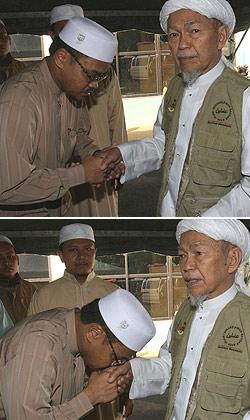 nasharuddin nik aziz manek urai 110709 kiss