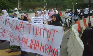university malaya student demostration 050210 02