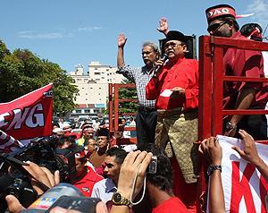 sedaq protest against penang government 050210 ibrahim ali speech 02