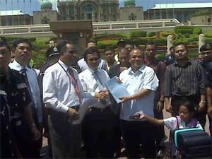 memorandum orang asli demo at putrajaya