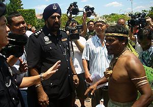 orang ssli protest at putrajaya 170310 04