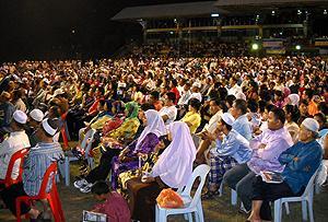 pkr gathering in hulu selangor 260310 crowd 03