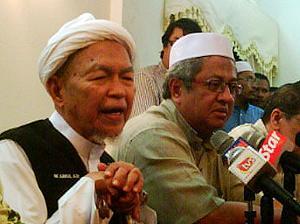 hulu selangor by-election 230410 nik aziz support zaid ibrahim 03