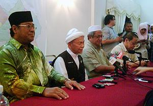 hulu selangor by-election 230410 nik aziz support zaid ibrahim 02