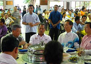 hulu selangor by-election 230410 muhyiddin give allocation to khing ming chinese school 07