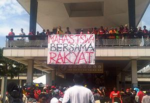 selangor protest against syabas 20101205 student banner 02