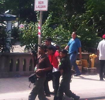 selangor water demo red shirt arrested