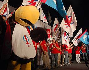 kuching grand finale 150411 bird stage