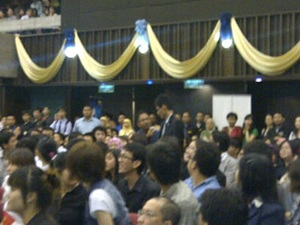um protest in conjunction with wen jia bao visit to universiti malaya 270411 chan shao kang approached by officer