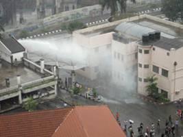 tear gas fire at tung shin hospital 090711 1
