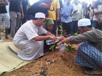 funeral baharudin bersih protester