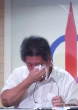 Bentayan state assemblyperson Gwee Tiong Hiang crying tears