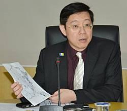 lim guan eng press conference on bicycle lane 251111 1