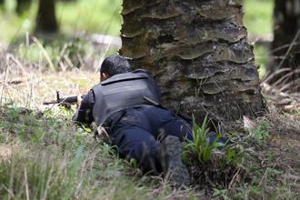lahad datu 050313 soldier with gun 03