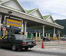 plus highway 050105 toll booths