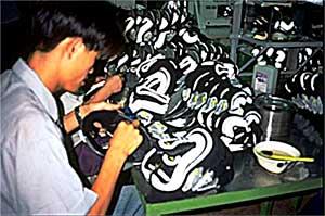 factory workers sweatshops 090107 shoes