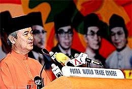 abdullah ahmad badawi umno 61 anniversary 110507 talking