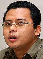 ezam leave pkr pc 280607 amir sari