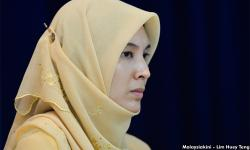 Nurul's resignation – Dr M in the dark, Azmin to seek answers
